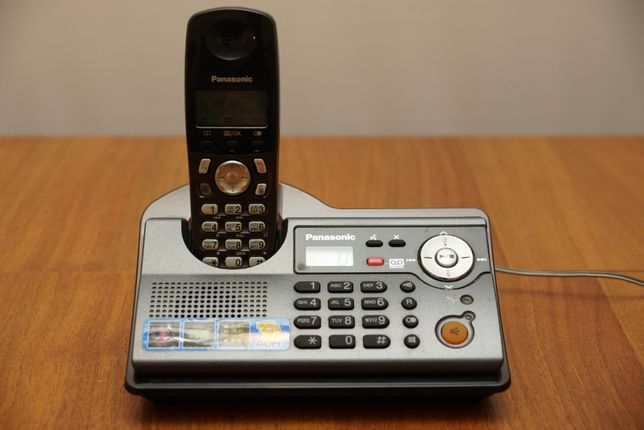 Радиотелефон с автоответчиком Panasonic KX-TCD246UA