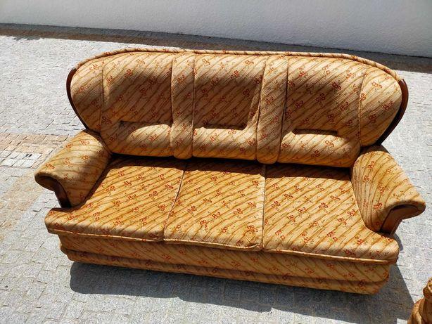 Sofá cama + 2 cadeirões - Estilo rústico (ótimo estado)