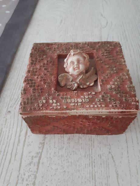 Ceramiczna anielska szkatułka