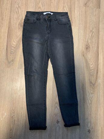 Серые джинсы скини