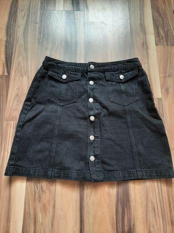 Czarna spódnica na guziki M