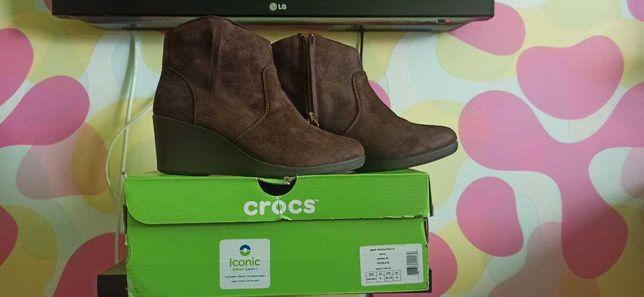 Демисезонные ботинки crocs 38