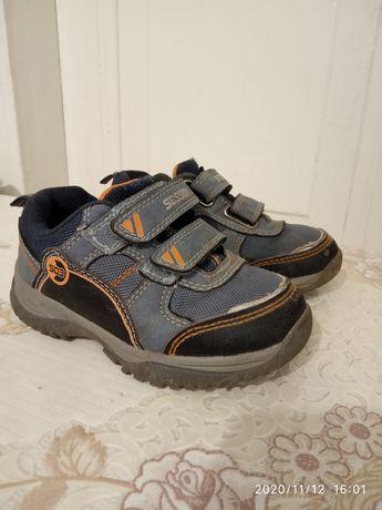 Детские кроссовки 26 размер
