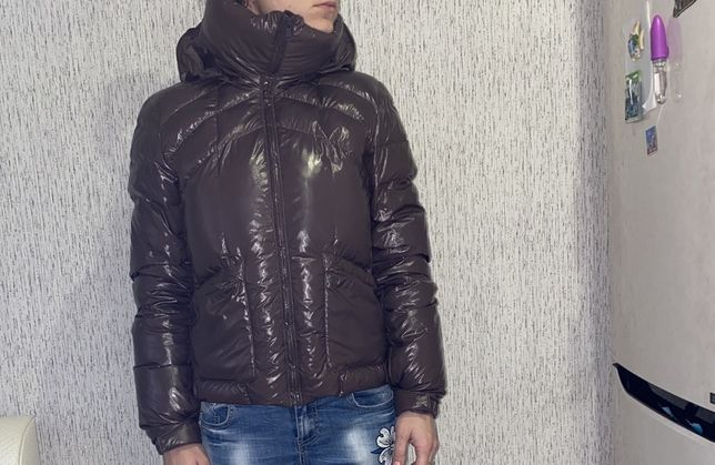 продам курточку пуховик Calvin Klein оригинал!
