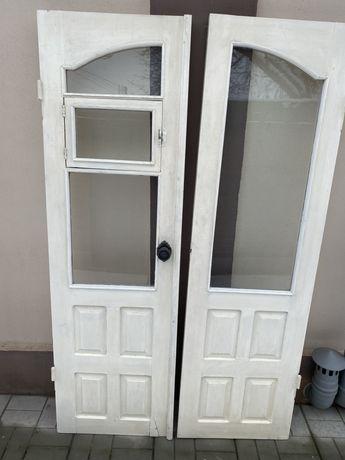 Продам деревянные двери без короба. Цена за 4 полотна