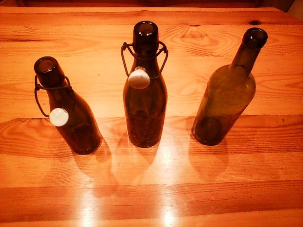 Sprzedam stare butelki zamykane na kapslem