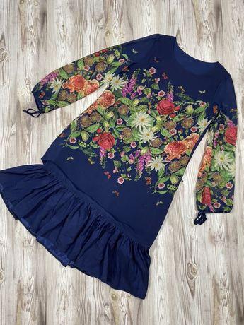 Красивое вечернее платье в цветах