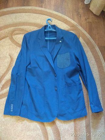 Продам пиджак с карманами