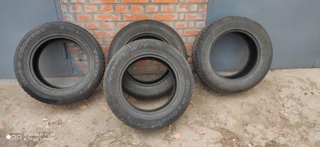 Зимові шини 255/60/R17 106H TOYO W/T