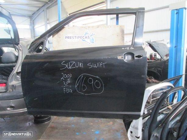 Porta POR1690 SUZUKI / SWIFT / 2007 / PRETO / FE / 3P /
