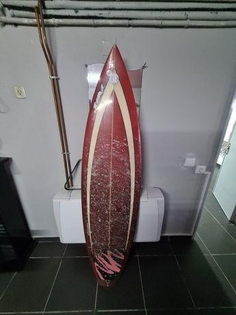 Prancha de surf told 6.3