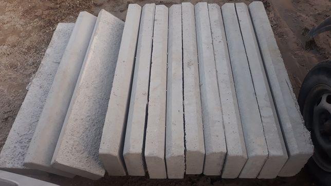 Obrzeża, krawężniki betonowe.