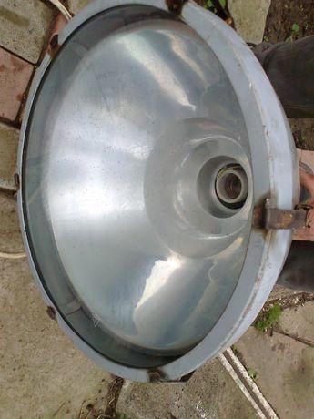 Прожектор, лампа, корпус дюралевый. Диаметр 42см