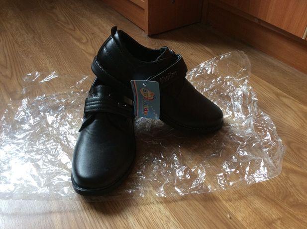 Новые школьные туфли