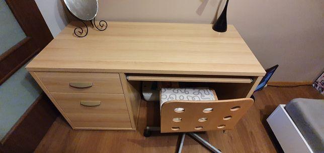 Sprzedam biurko z wysuwana szuflada..