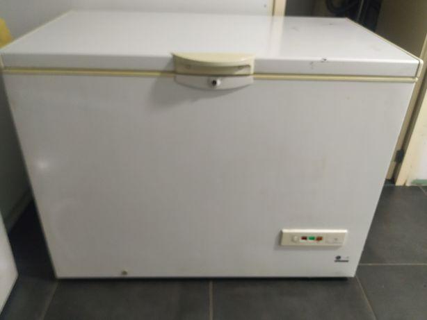 Arca frigorífica horizontal Indesit semi-nova