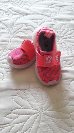 Кроссовки на девочку, 21 размер, с подсветкой