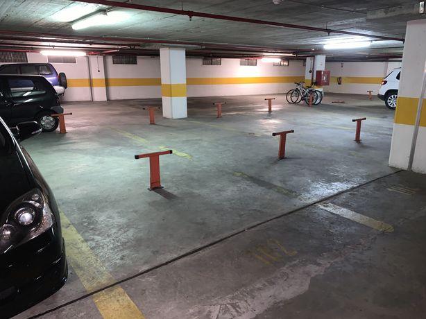 Lugar de garagem na Avenida da Peregrinação 4