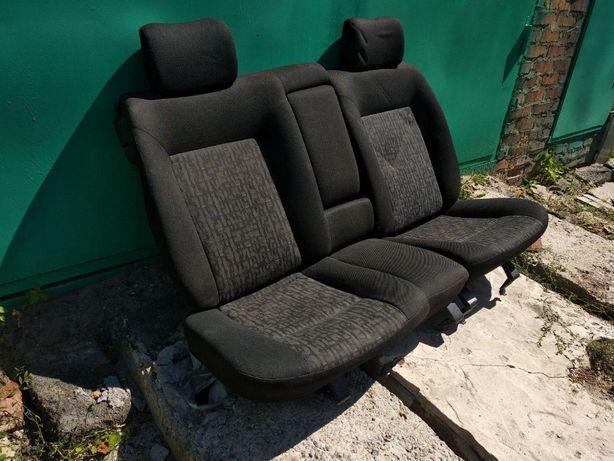 Сиденья задние Volkswagen Passat b3 b4 vw golf3 с подлокотником