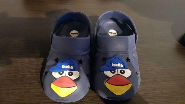 Sandały jak Crocs. Buciki 25