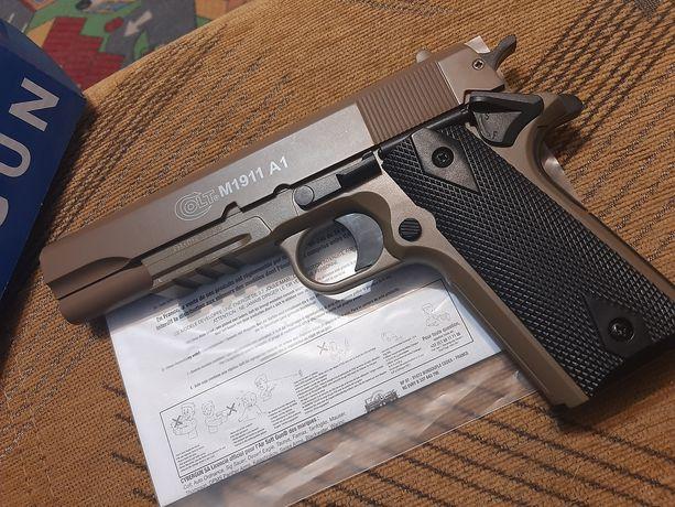 Colt 1911 Mocna replika