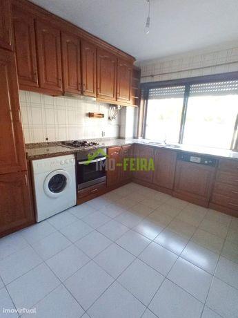 Apartamento T1+1, São João da Madeira