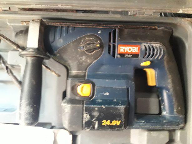 Перфаратор Ryobi CRH-240RE аккумуляторный