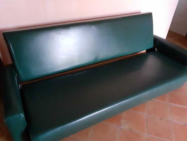 Sofá vintage verde