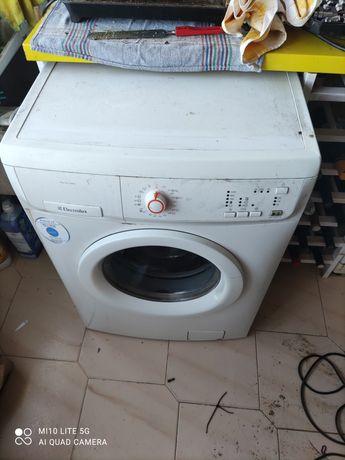 Maquina de lavar avariada