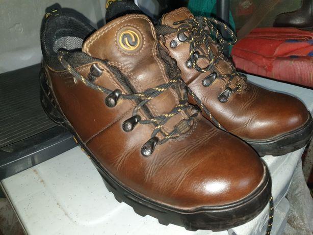 Мембранная обувь 41 размера 26.5см