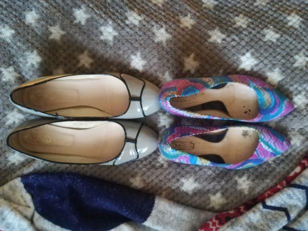 Oddam 2 pary butów damskich