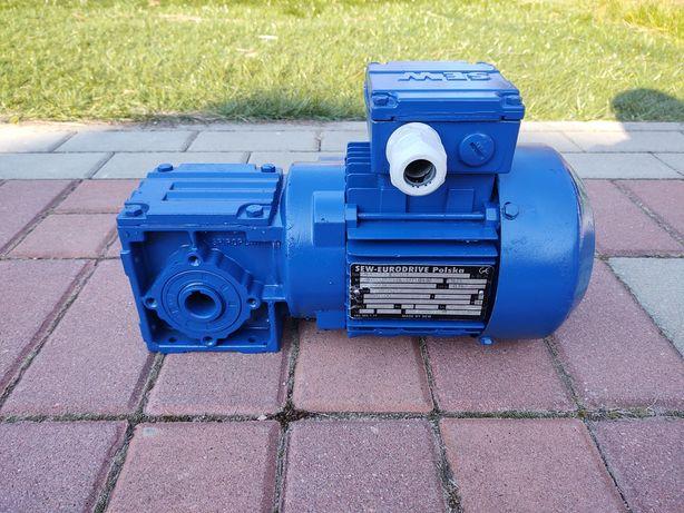 Motoreduktor 0,37kw 135obr/min SEW