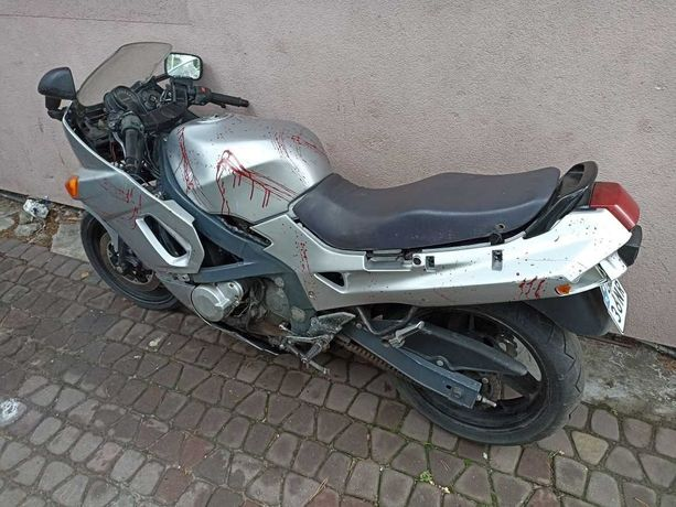 Kawasaki zzr 600 1997р.в. по запчастинам
