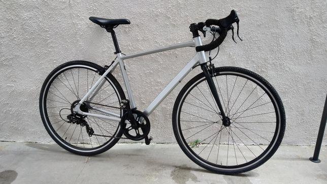 Bicicleta estrada Triban 100