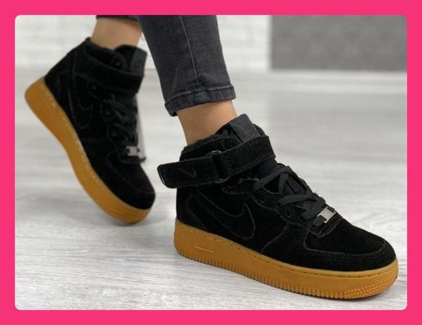 Женские зимние кроссовки Nike Air Force Black Найк форс с мехом черные