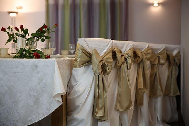Pokrowce na krzesła bankietowe - wynajem Kraków