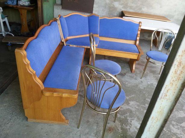 Narożnik kuchenny 191×154 wys.85 i 3 krzesła