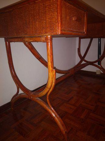 Secretária em bambu 122x52