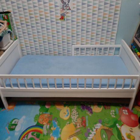 łóżeczko 140x70 łóżko w stanie bardzo dobrym