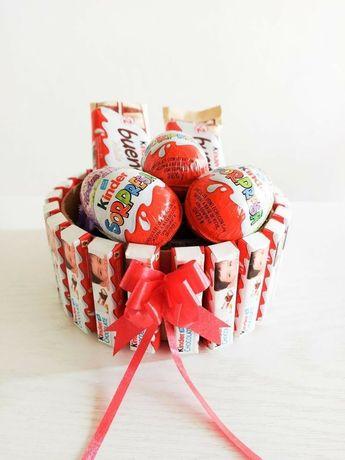 Подарок на 8 березня/марта корпоративные подарки торт из киндеров