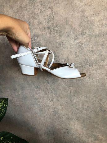 Танцевальные туфли 21 см 33-34 р