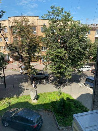 Трикімнатна в центрі Франківська! Без комісії!