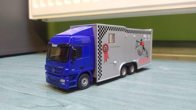 Siku ciężarówka tir do przewozu koni