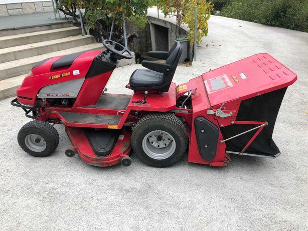 Trator corta relva Echo Trak