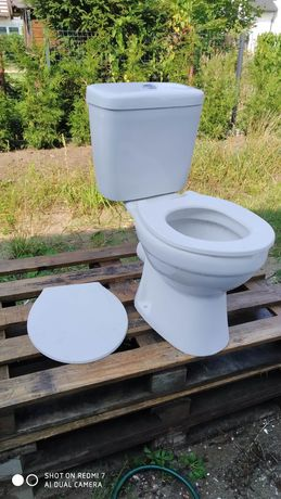 WC kompakt na budowę