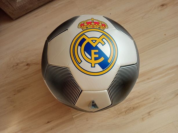 Nowa oficjalna piłka nożna Real Madryt rozmiar 5 na prezent