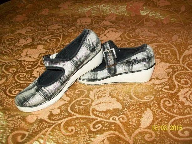 Туфли ,мокасины 35 размер