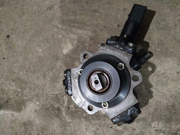 Топливный насос высокого давления Мерседес Спринтер 2.2