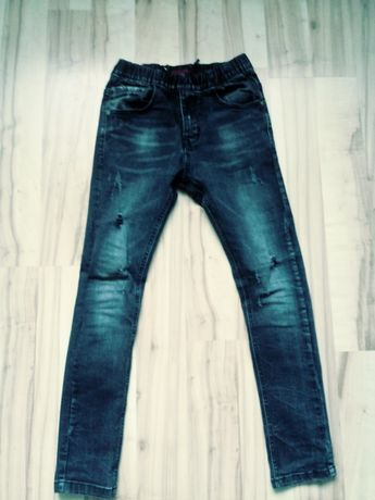 Spodnie chłopięce roz. 146