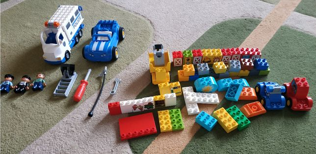 Полицейский грузовик + Мои первые машинки + дополнительные кубики ( ор